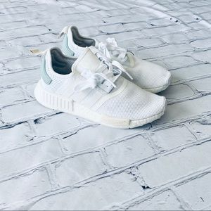 White Adidas Boost Shoes Women's 6